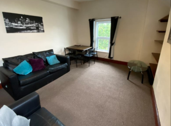 1 bedroom student apartment in Victoria Park, Manchester