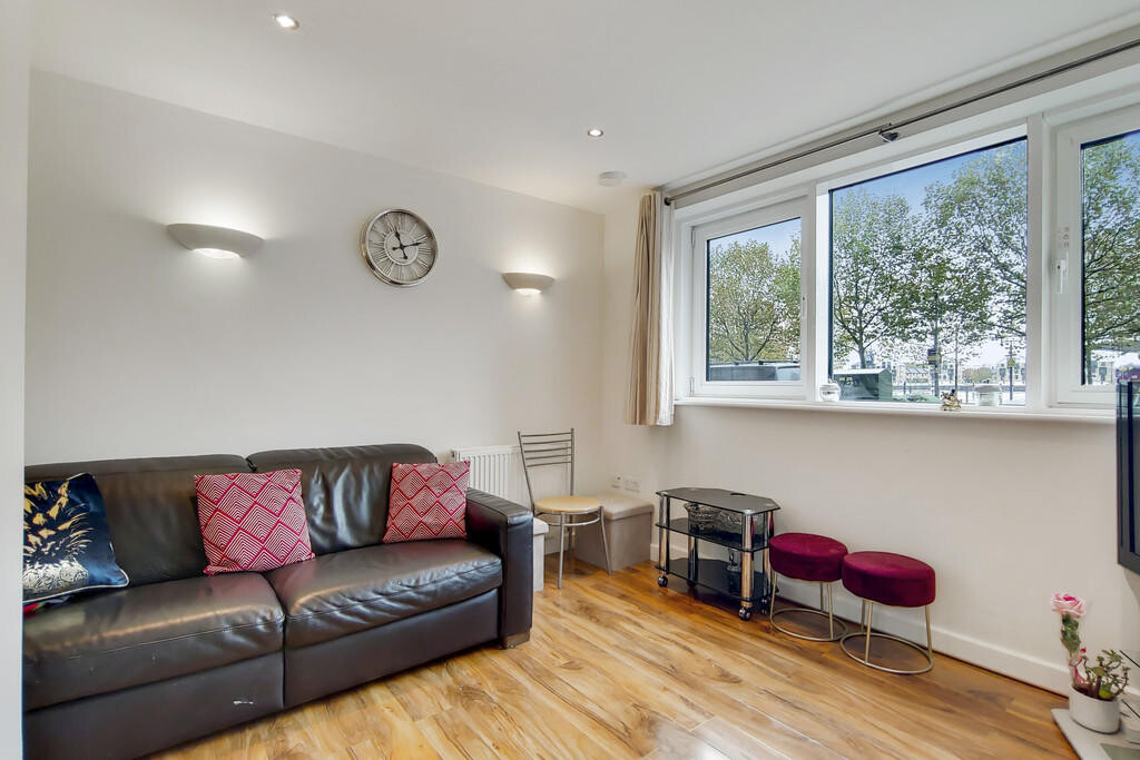 1 bedroom student apartment in Canary Wharf, London