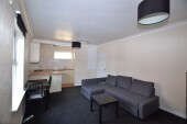 1 bedroom student house in City Centre, Derby