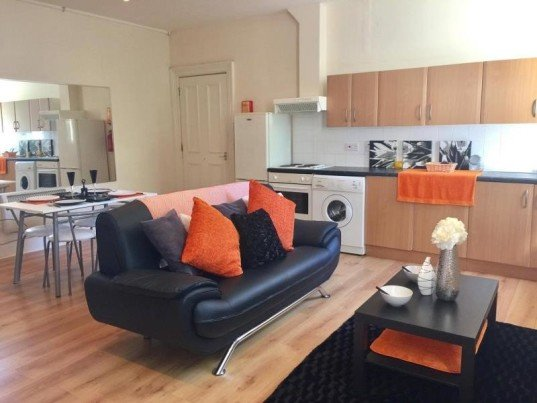 1 bedroom student house in Hyde Park, Leeds