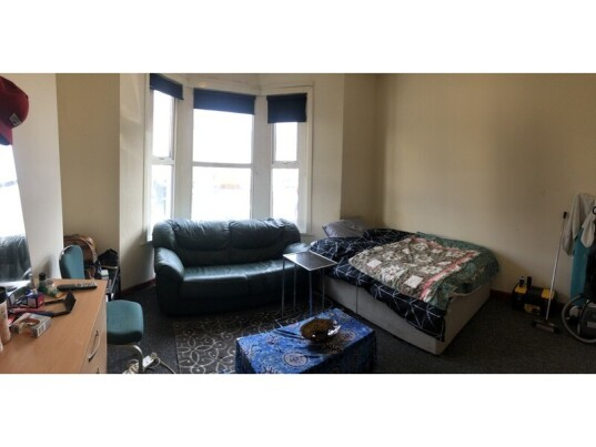 1 bedroom student house in Roath, Cardiff