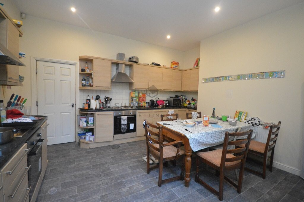 10 bedroom student house in City Centre, Leeds