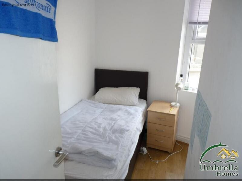 3 bedroom student apartment in Roath, Cardiff