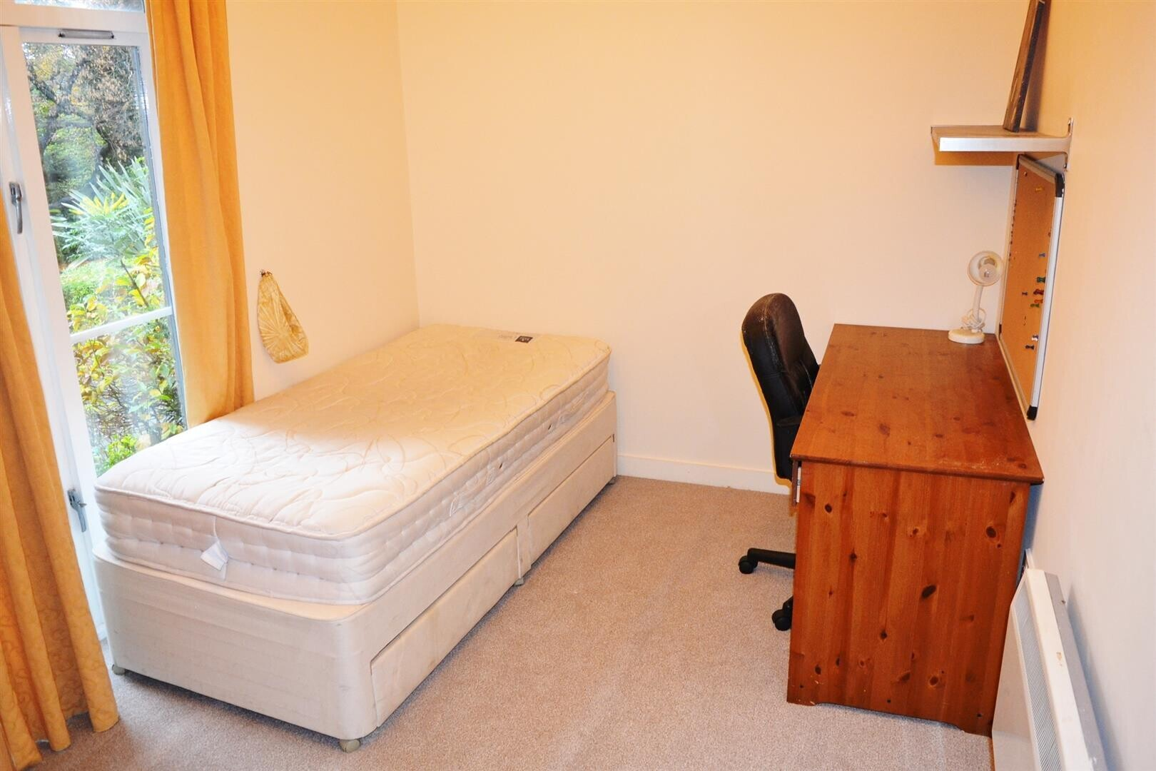 2 bedroom student house in Victoria Park, Manchester