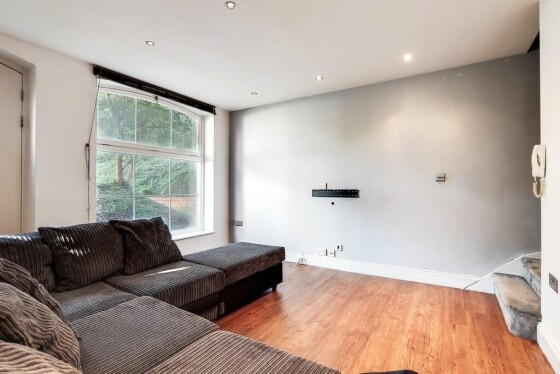 2 bedroom student apartment in Woolwich, London