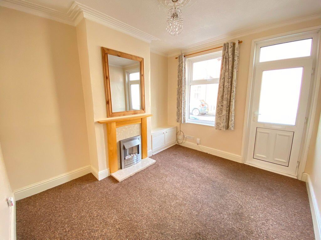 2 bedroom student house in City Centre, Derby
