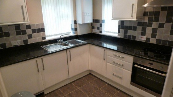2 bedroom student house in Hyde Park, Leeds