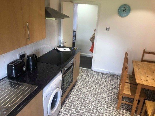 3 bedroom student apartment in Hyde Park, Leeds