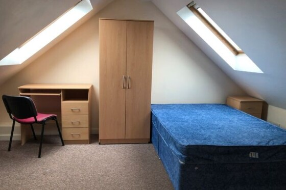 3 bedroom student apartment in Sandfields, Swansea