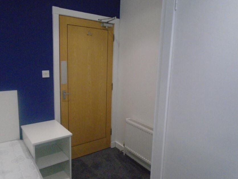 4 bedroom student apartment in The Polygon, Southampton