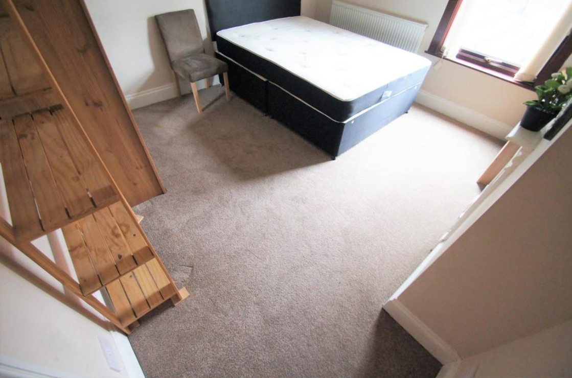 3 bedroom student house in Ball Hill, Coventry