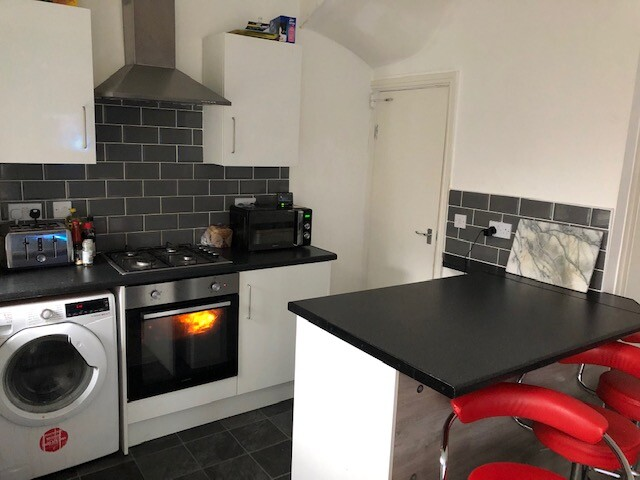3 bedroom student house in Burley, Leeds