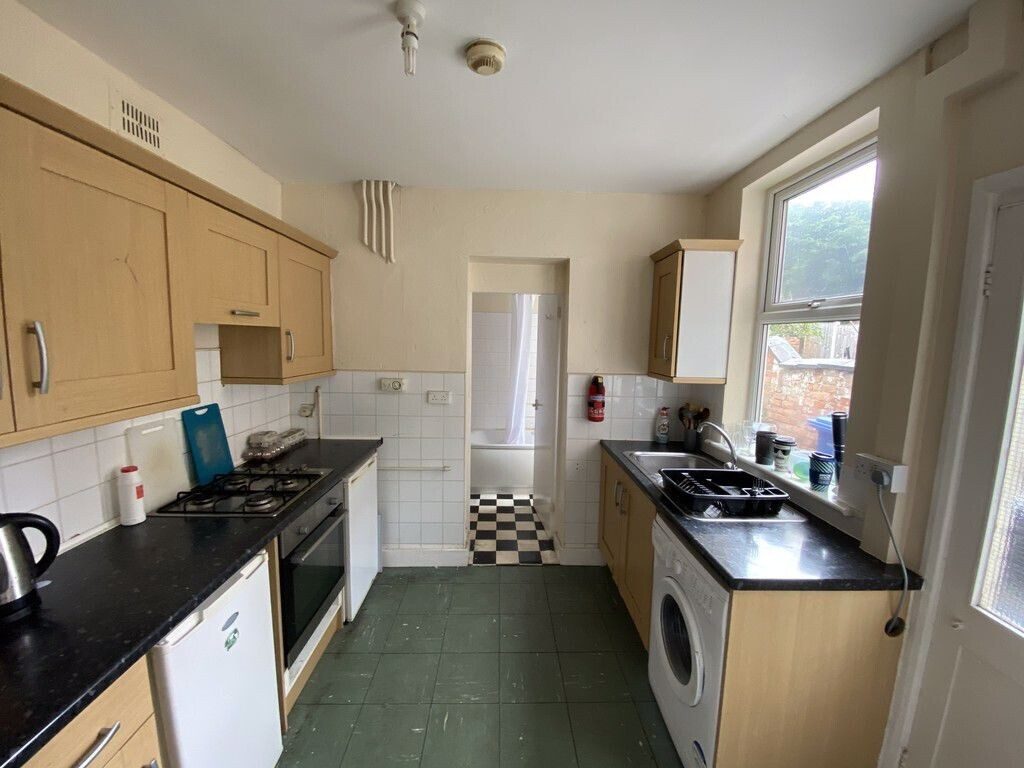 4 bedroom student house in City Centre, Derby