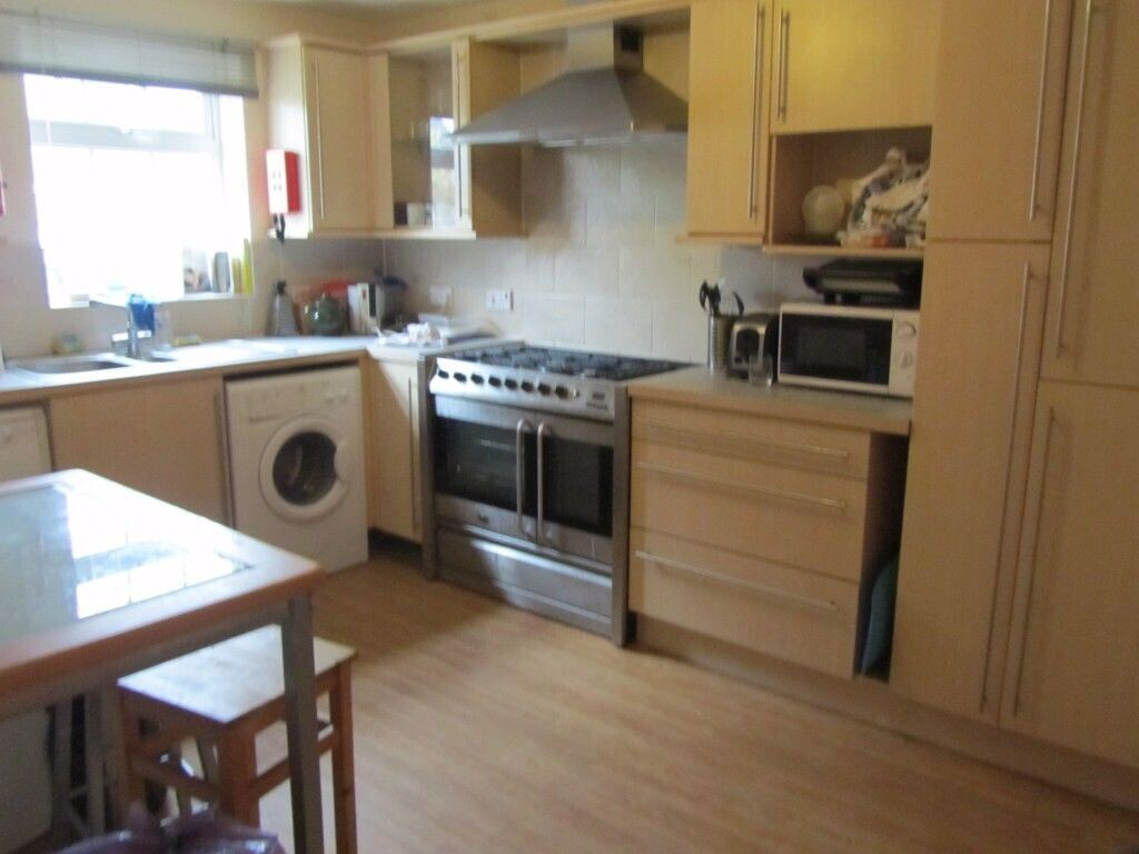 4 bedroom student house in Forest Road, Loughborough