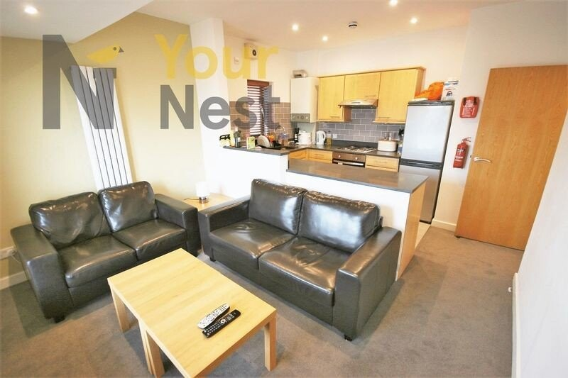 4 bedroom house for rent 19 Derwentwater Terrace, Leeds ...