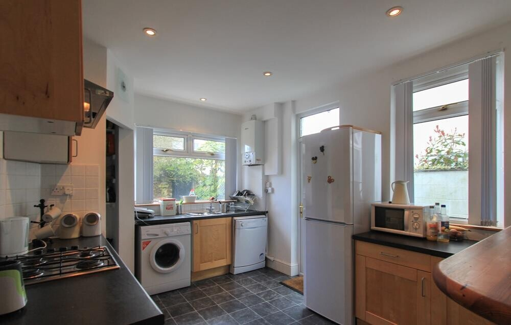 4 bedroom student house in Heath, Cardiff