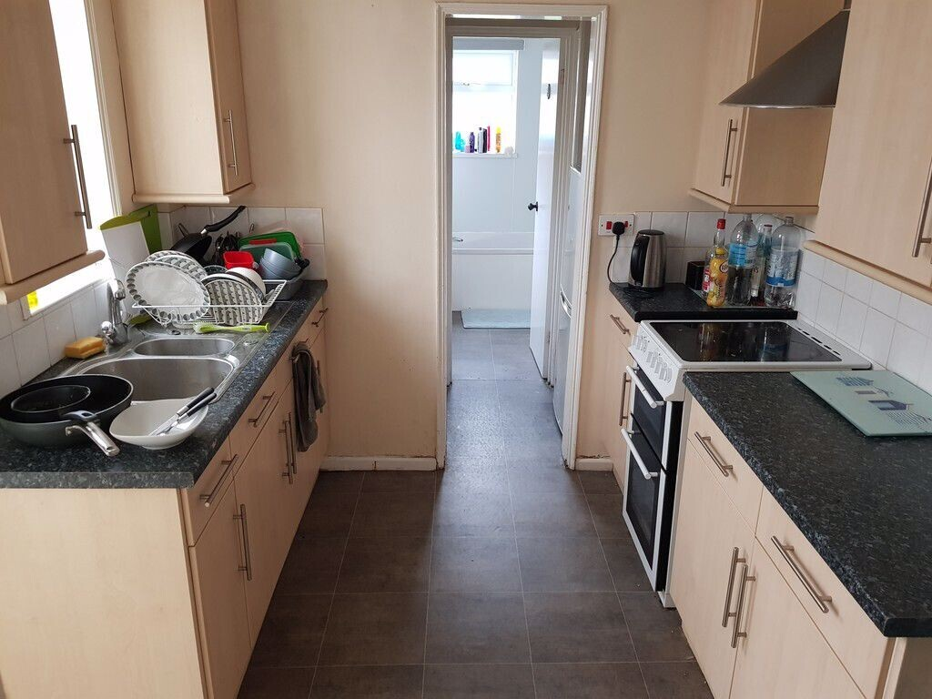 4 bedroom student apartment in Oldfield Park, Bath