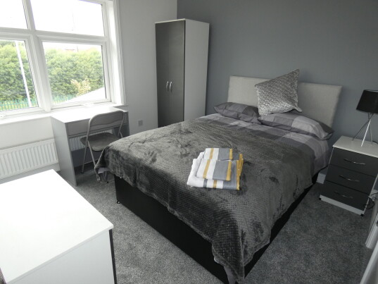 4 bedroom student house in Shelton, Stoke-on-Trent