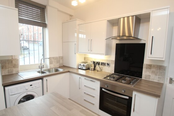 4 bedroom student house in Woodhouse, Leeds