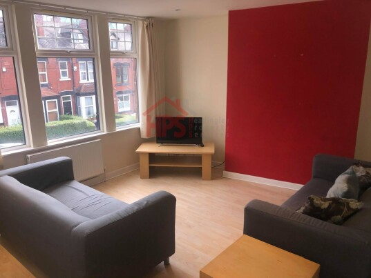 5 bedroom student apartment in Headingley, Leeds