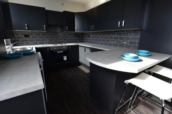 5 bedroom student apartment in Hyde Park, Leeds