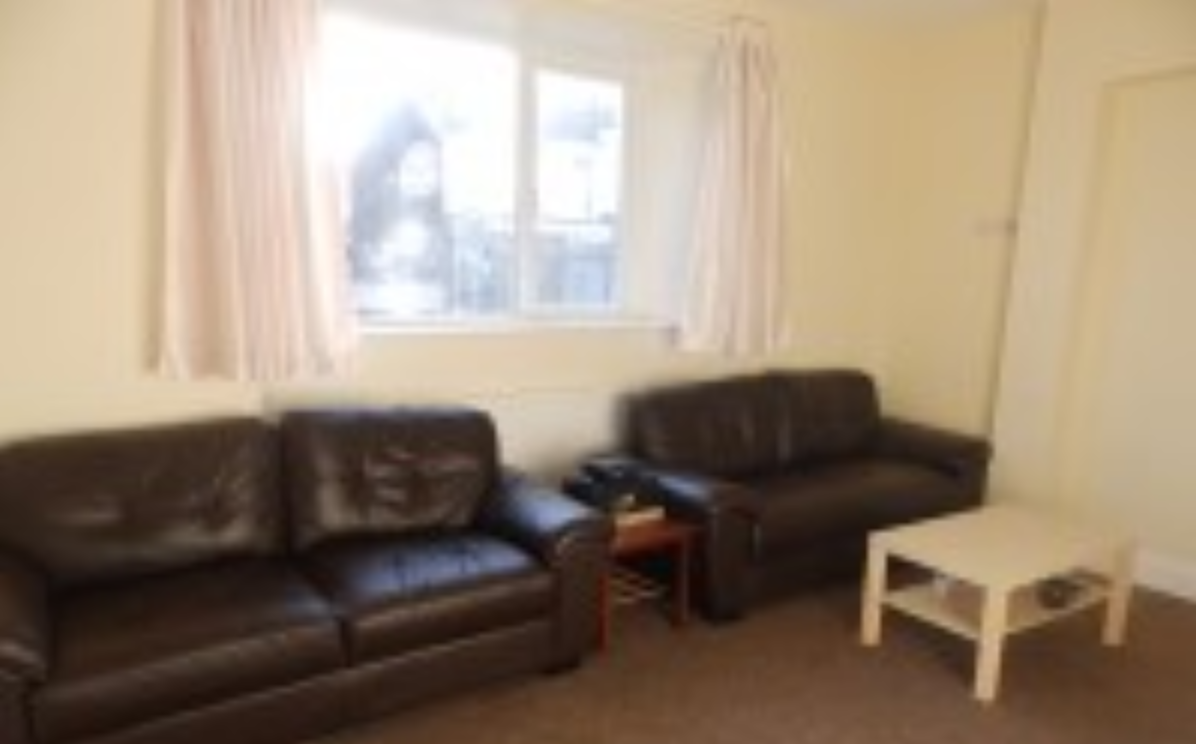 6 bedroom student house in Bay Campus, Swansea