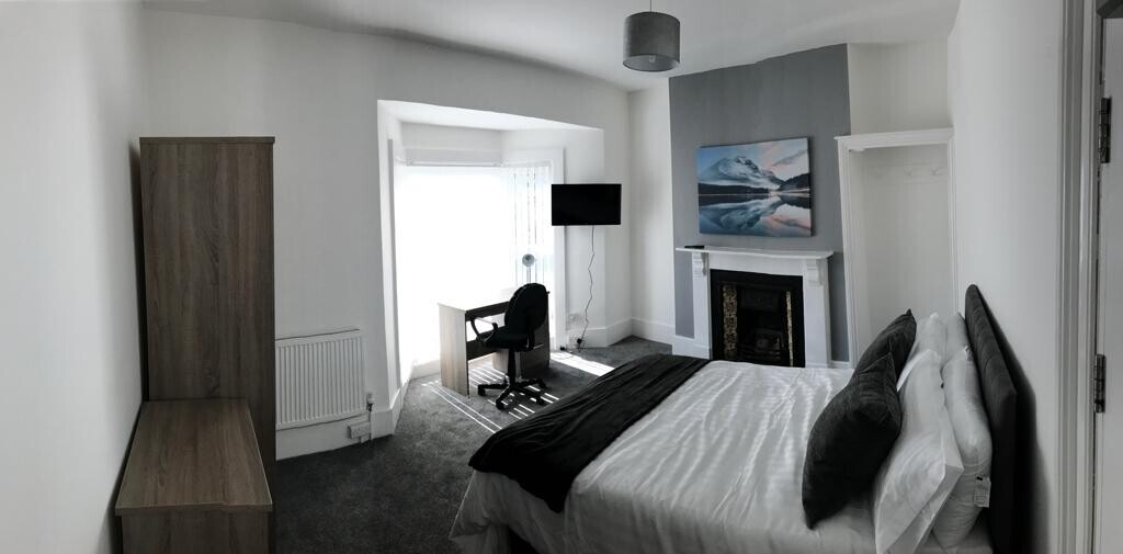 5 bedroom student house in Brynmill, Swansea