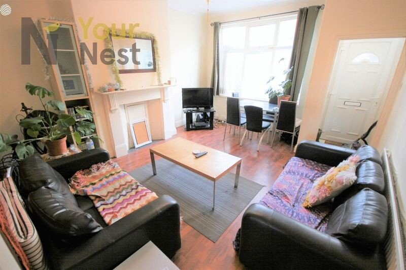 5 bedroom student house in Burley, Leeds