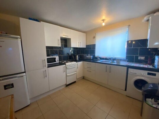 6 bedroom student house in City Centre, Chichester