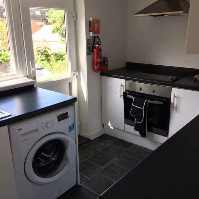5 bedroom student house in City Centre, Swansea