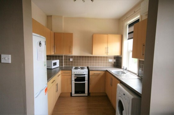 5 bedroom student house in Hyde Park, Leeds