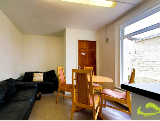 5 bedroom student house in Round Hill, Brighton