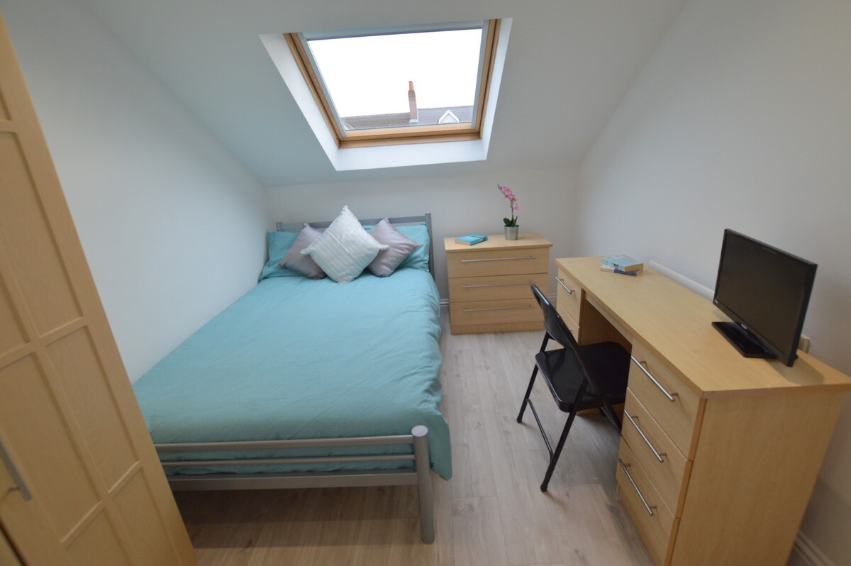 6 bedroom student apartment in Heaton, Newcastle