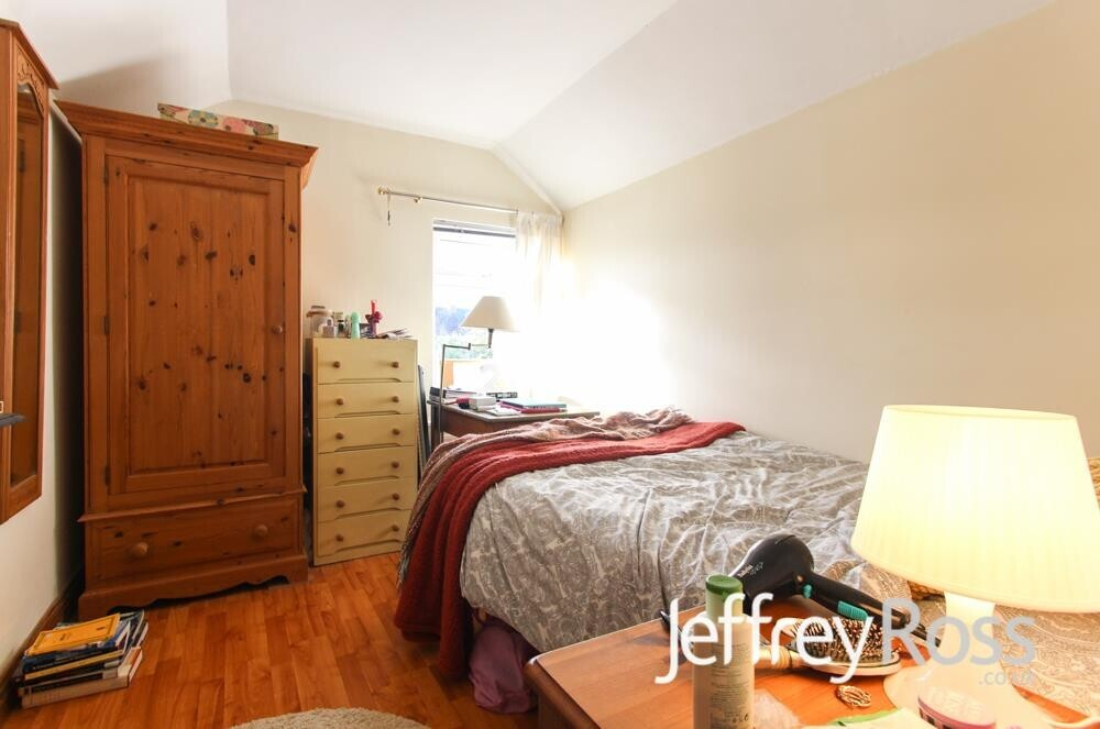 6 bedroom student house in Cathays, Cardiff