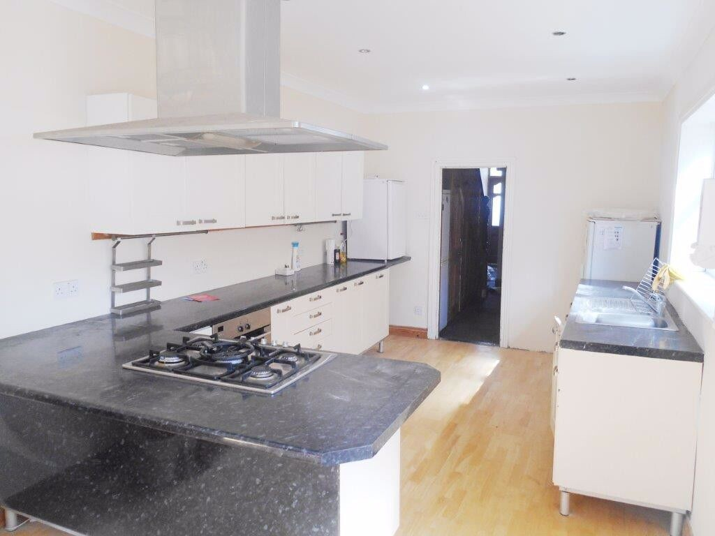 6 bedroom student house in Southsea, Portsmouth
