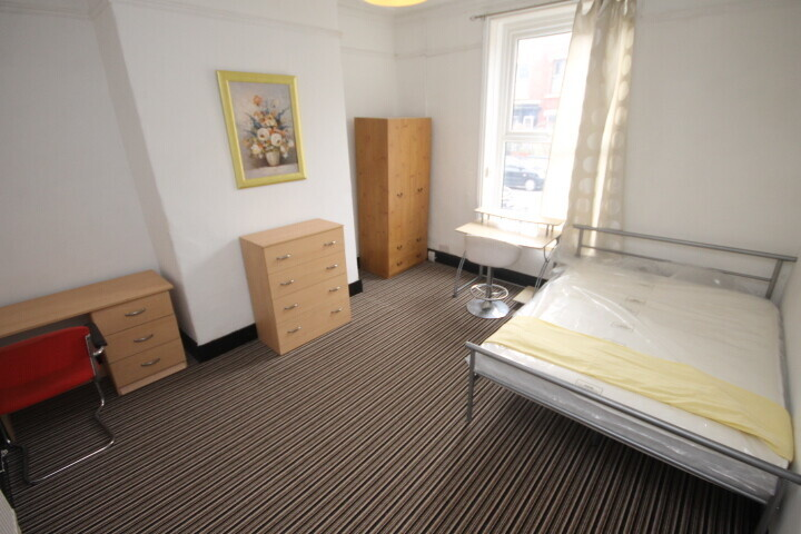 6 bedroom student house in Woodhouse, Leeds