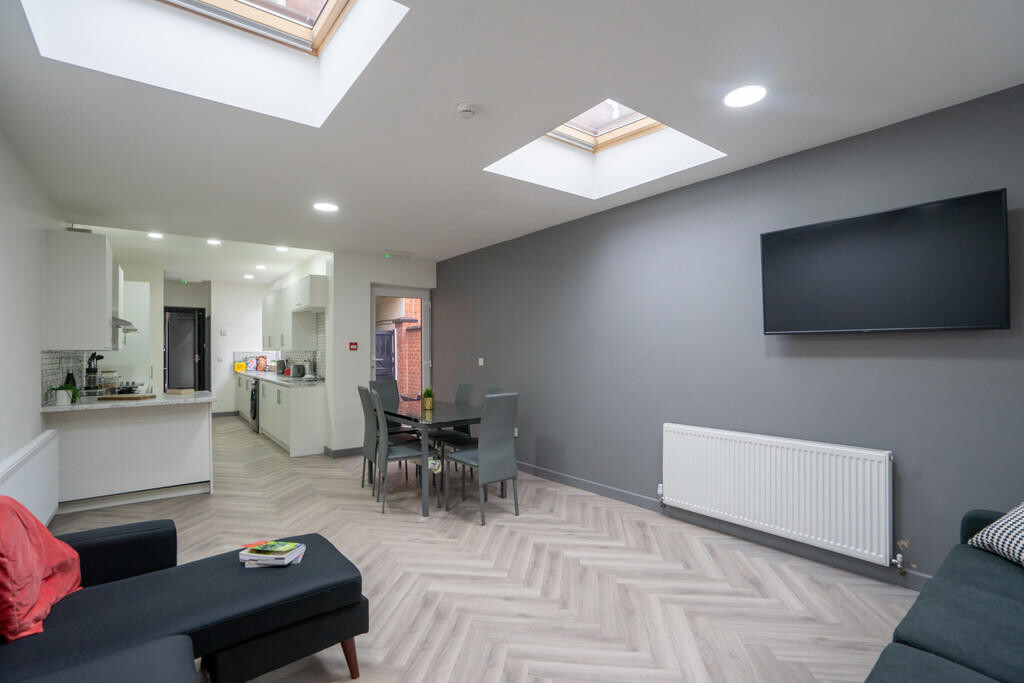 8 bedroom student house in Highfields, Leicester
