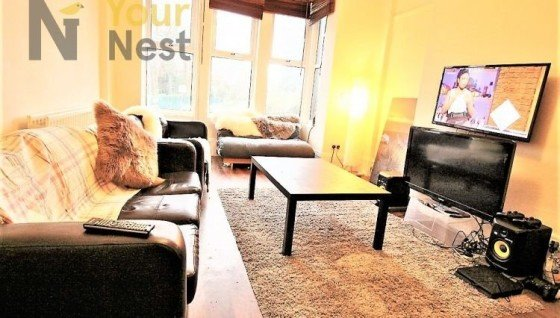 8 bedroom student house in Headingley, Leeds