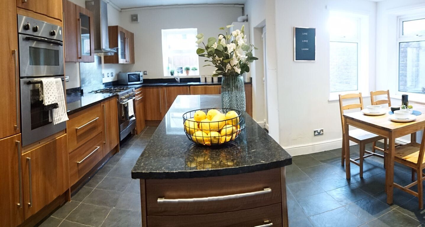 8 bedroom student house in Heaton, Newcastle