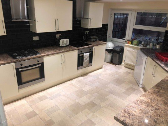 9 bedroom student house in Headingley, Leeds