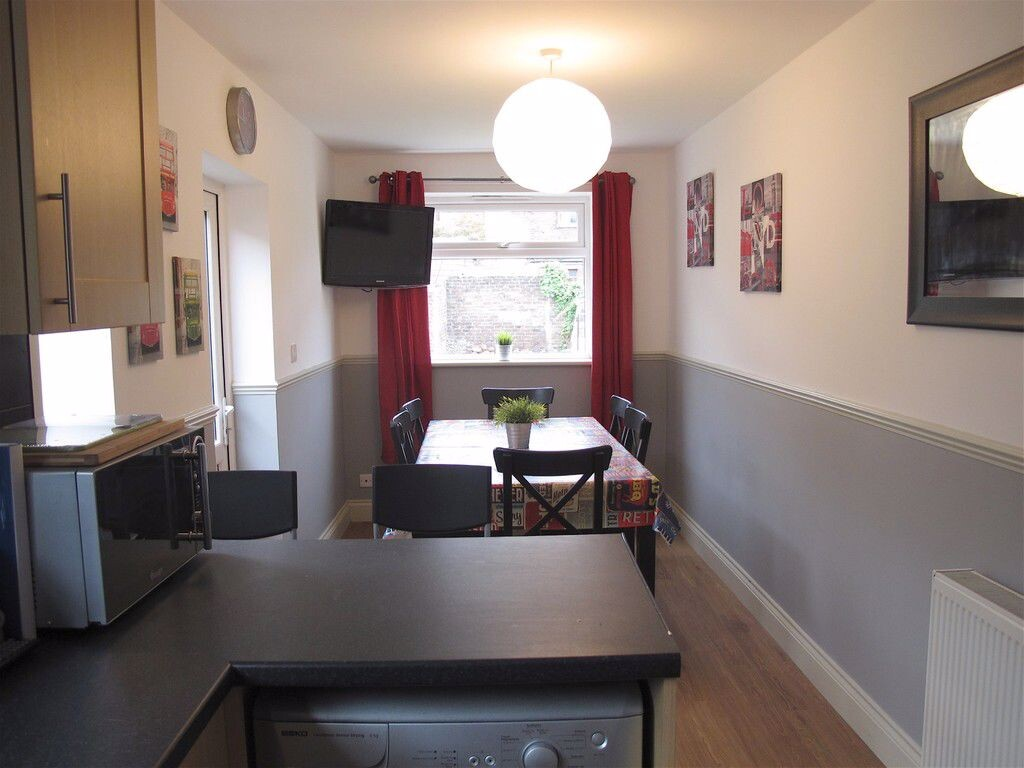 6 bedroom student apartment in Southsea, Portsmouth